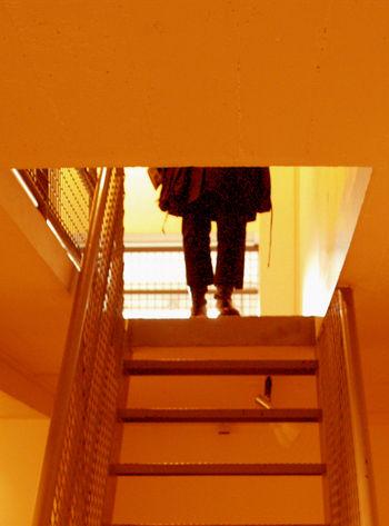 Femme_escalier2